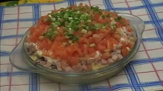 СЛОЕНЫЙ САЛАТ НАПОЛЕОН. Слоеный салат очень вкусный.