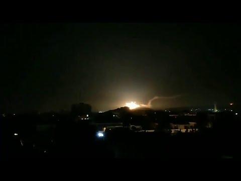 Израильские самолеты обстреляли ракетами окрестности Дамаска.