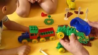 LEGO. Конструктор Юный путешественник. Видео для детей(Сегодня мы с папой и братиком собираем конструктор LEGO Юный путешественник, в котором есть автобус, паровоз,..., 2015-10-25T18:11:51.000Z)