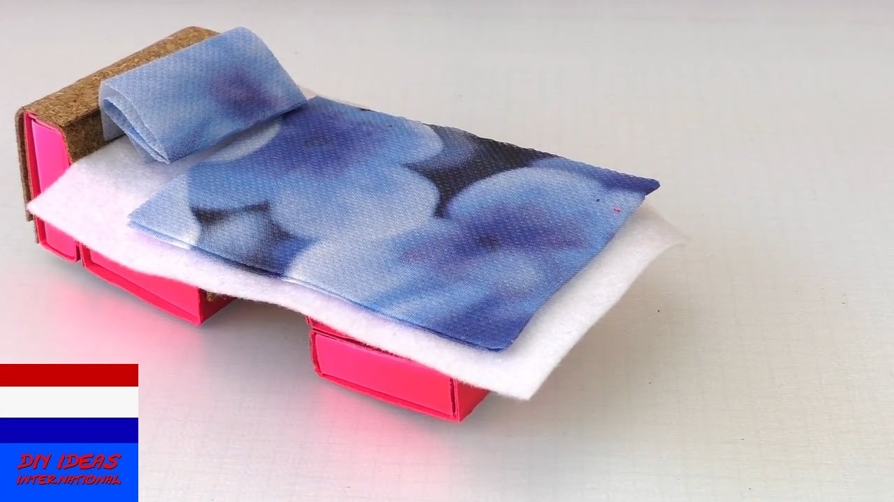 Genoeg zelf meubels knutselen | bed maken voor poppen - YouTube #NN53
