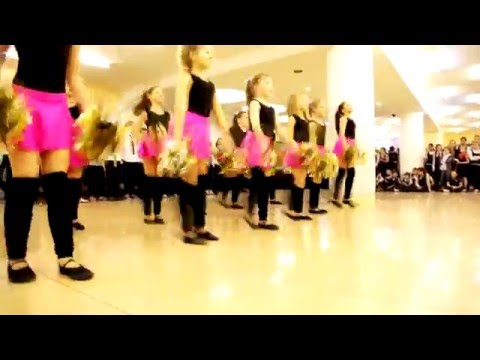 Новогодний флешмоб 12 школы г. Щелково-3 декабрь 2015 г