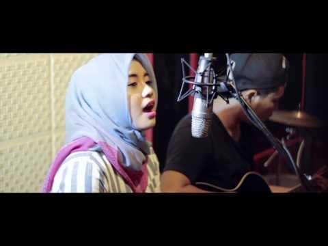 ADLINA AMALIA - Endah N Rhesa_When You Love Someone (Cover) BikinMusik.com