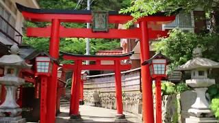 太皷谷稲成神社の千本鳥居のトンネルの階段。【上り編】Taikodani Inari Shrine.Approach way through the rows of torii gates