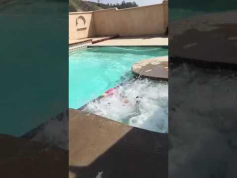 Boys swimming 31916