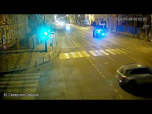 ДТП с участием скорой помощи и Яндекс. Такси. Краснодар, 4 января