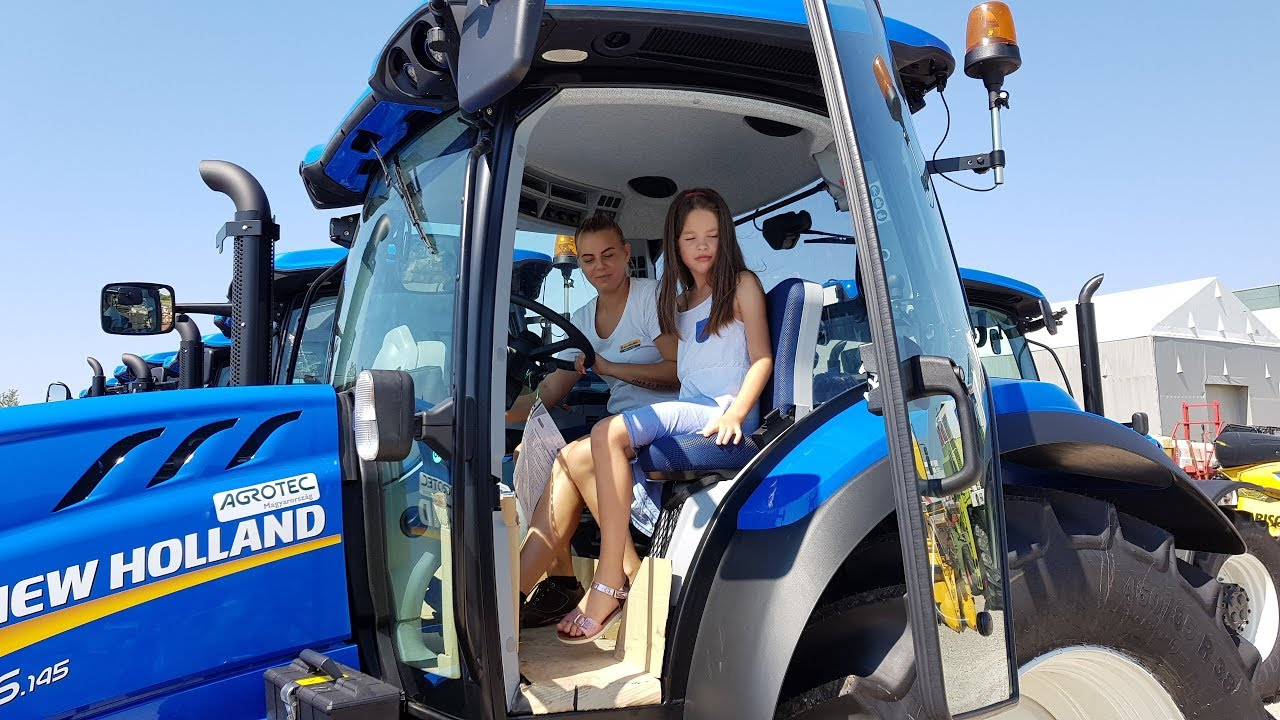 New Holland Tractor Driver Girls 2017 T6145 Youtube