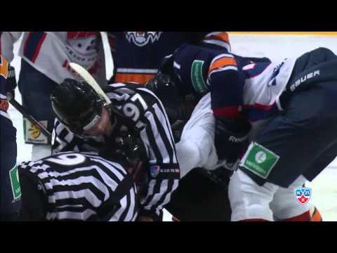 Вольски учит Железнова манерам / Wolski reacts on Zheleznov's monkey hit Salminen