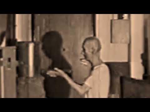 Video - Ip Man playing Muk Yan Jong