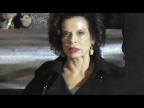 VIDEO Bianca JAGGER attends Paris Fashion Week 26 february ...