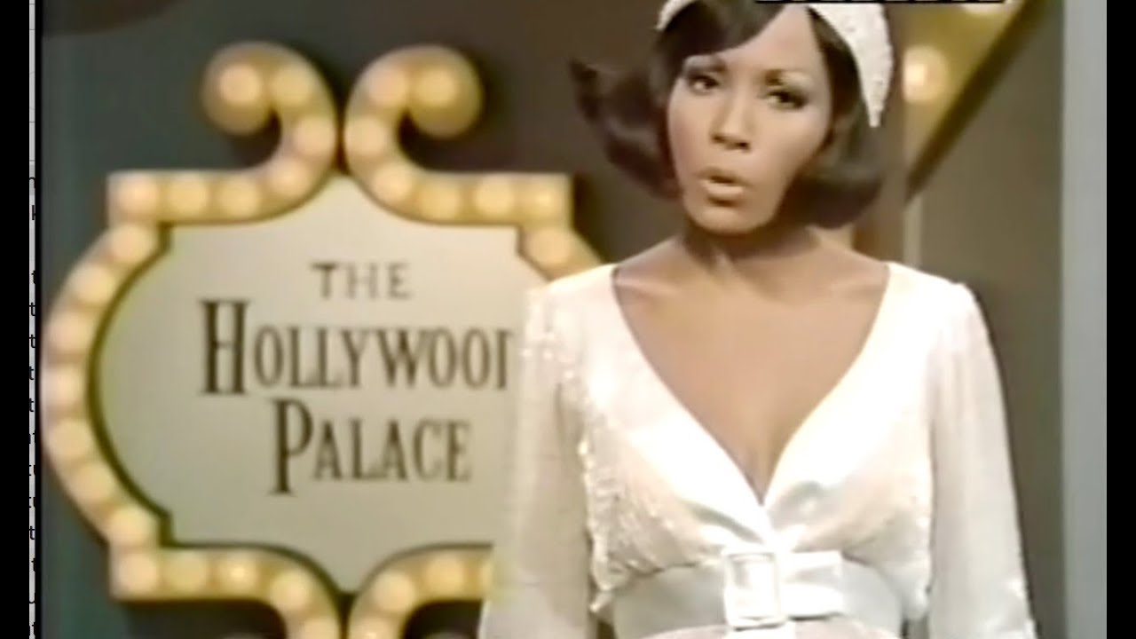 Diahann Carrol Hosts The Hollywood Palace (1969) l Stevie Wonder