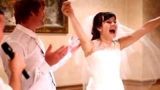 Красивые и зажигательные жених и невеста!
