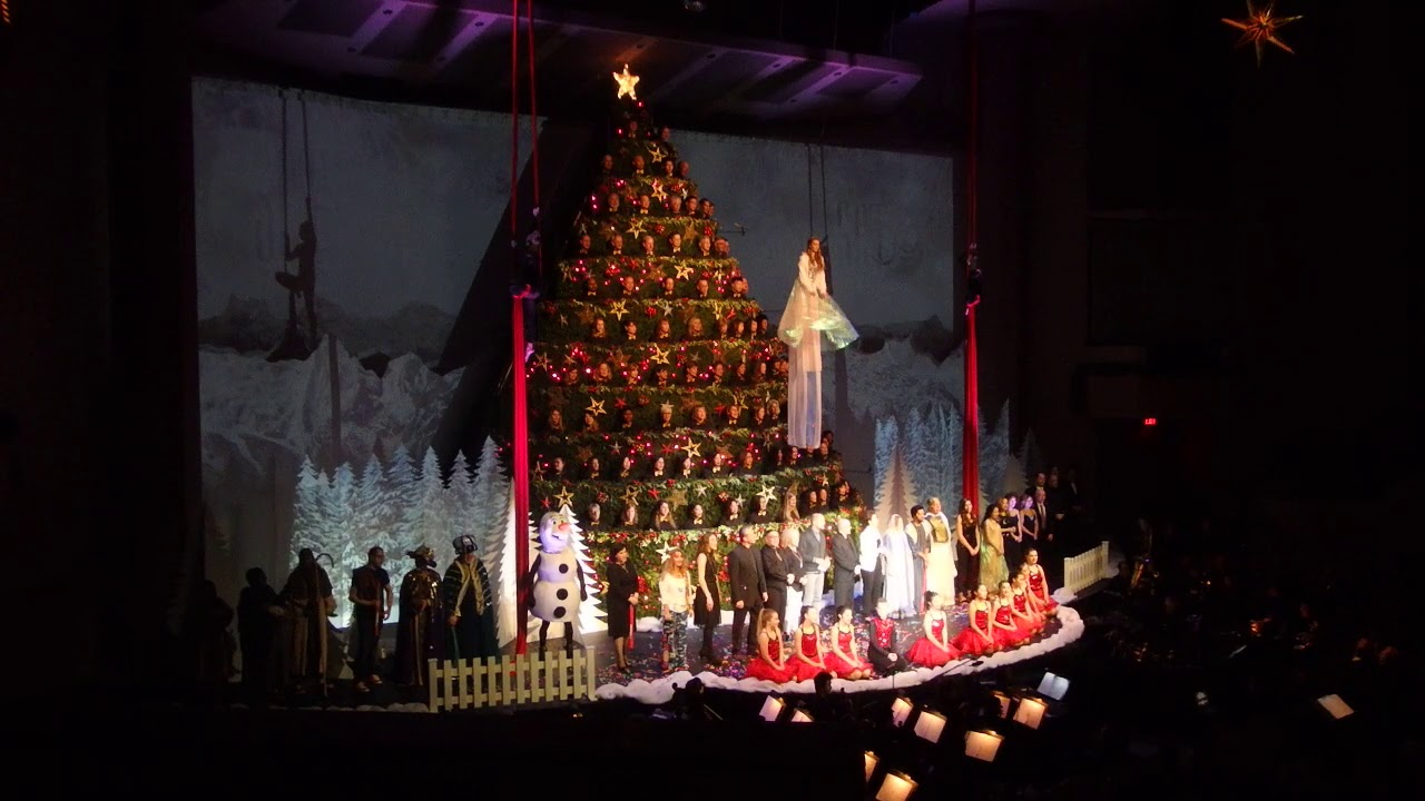 The Cast Singers Of The 50th Singing Christmas Tree Singing We