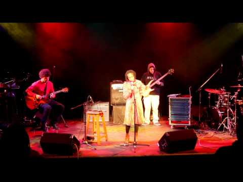 Fifi - Soothing Kisses - Live @ The State Theatre