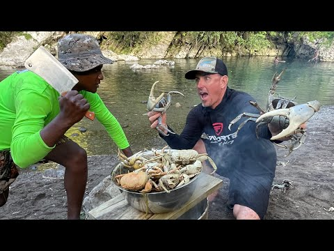 """Catching MASSIVE """"Blue Land Crabs"""" by HAND in a CRAZY SWAMP (Catch & Cook)"""