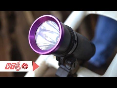 Sáng tạo đèn điện cho xe đạp từ phế liệu | VTC
