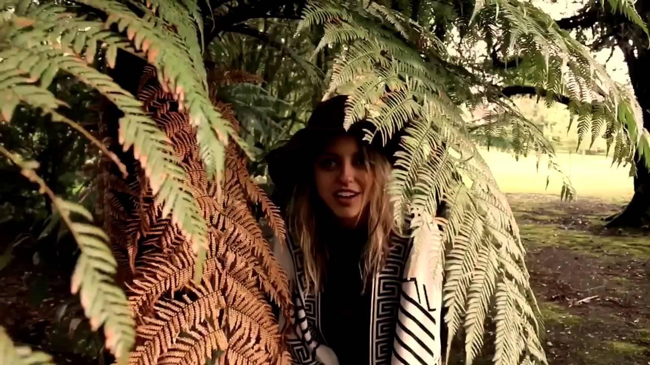tempos de thais   canela - por agência epohke - YouTube f07c8094395