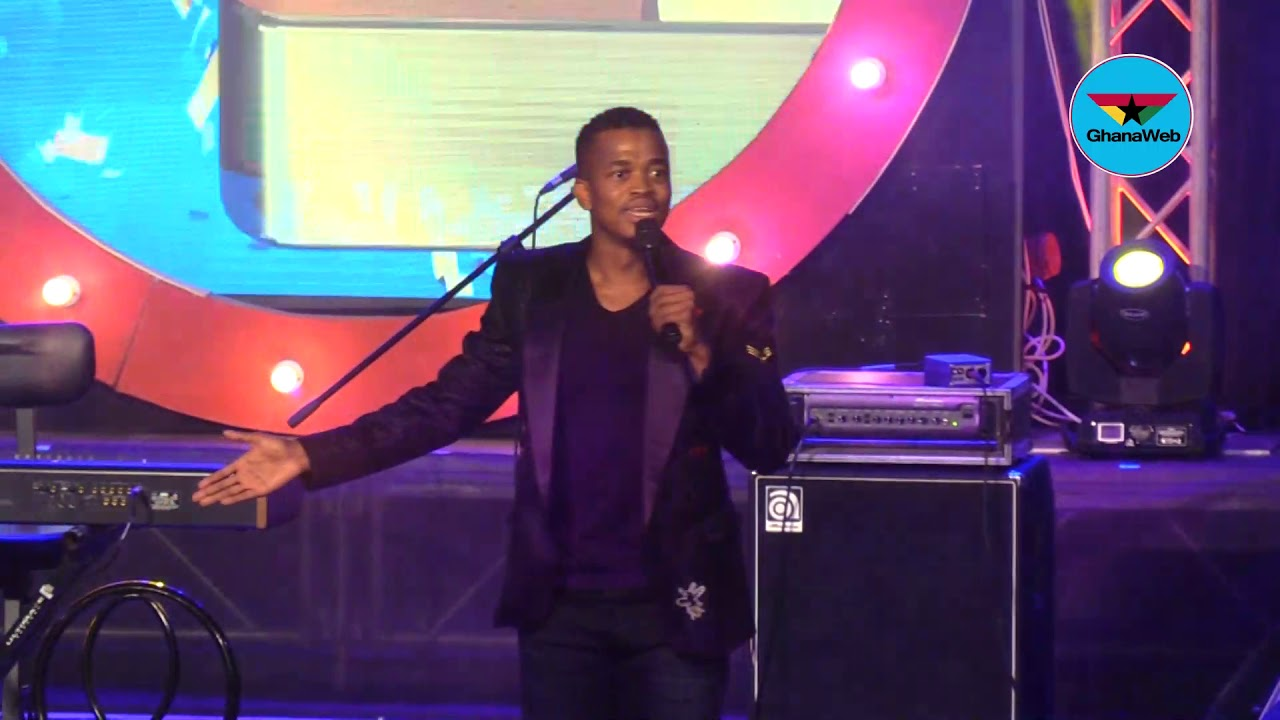 South African comedian Mpho Popps' stunning performance at Easter Comedy Show 2019