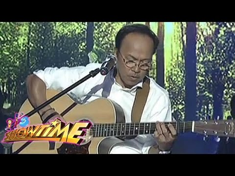 Noel Cabangon sings 'Kanlungan / Handog' on It's Showtime