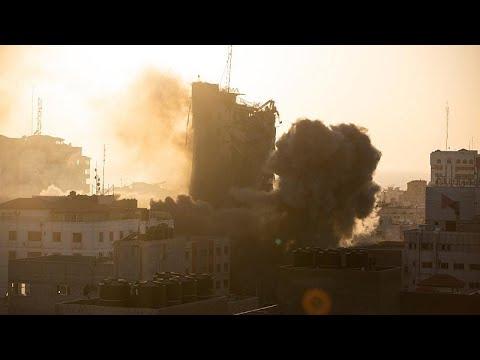 شاهد: قصف إسرائيلي بالصواريخ يدمر ويسوي بالأرض برجا سكنيا من 14 طابقا في غزة…  - نشر قبل 3 ساعة