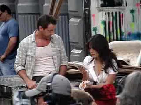 LINDSAY PRICE FILMS ON SET OF  LIPSTICK JUNGLE 71108