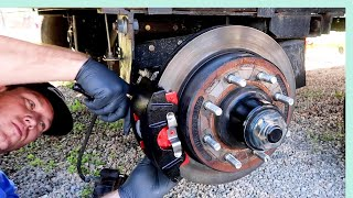 RV BRAKE FAILURE! 😱 || RV LIVING