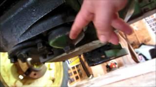 Як перевірити і поміняти масло на Джон Дір, Б, і тракторист р