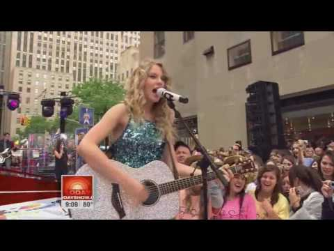 Taylor Swift - Our Song (Live in New York)  [HD]