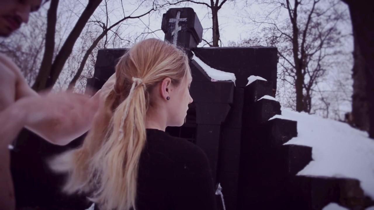 絞首刑女- YouTubeの▶1:07