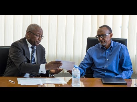KAGAME PRESENTS PRESIDENTIAL CANDIDATURE TO NEC
