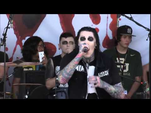 Motionless in White - Abigail [Live] - Warped Tour 2014