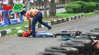 Drag Bike TERBARU Joki Cewek Rambut Pirang JATUH Di Race Two .