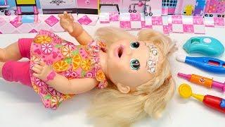 Ой бо бо! ЗВІДКИ У САРИ ШИШКА? #Ляльки Пупсики Бебі Элайв Іграшки Для дітей 108мама тіві