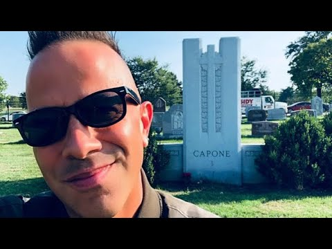 Al Capone Grave And The Bride Of Mount Carmel | Famous Mobster Graves