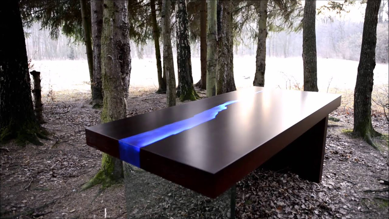 Kasparo I Amazing Table with resin and LED technology es alive