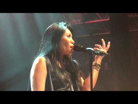 Anggun Live in Concert Paris - La neige au Sahara | 4K Video