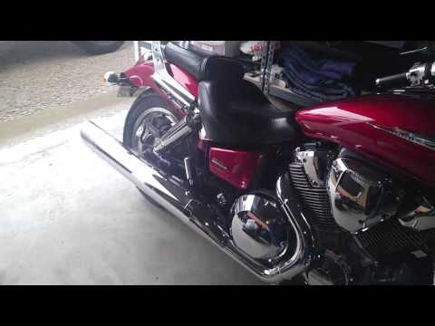 2003 Honda VTX 1800C cold start with stock exhaust.