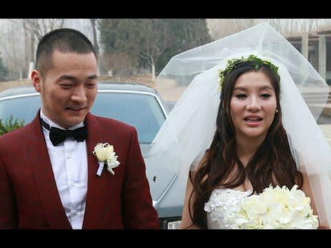 武林外传 喻恩泰北京举办婚礼 手牵娇妻下车尽显恩爱