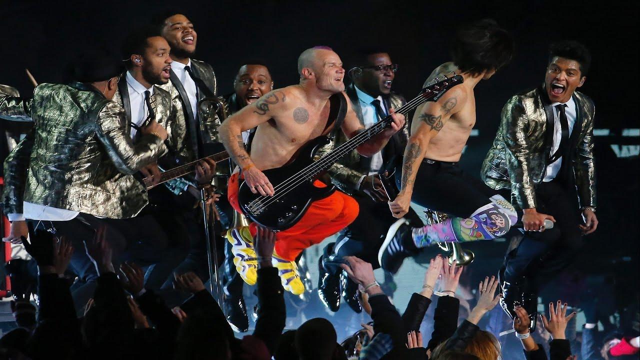 Resultado de imagen de Bruno Mars w/ Red Hot Chili Peppers Halftime Performance | LIVE 2-2-14