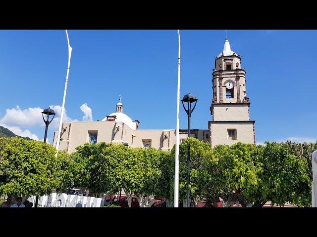 Entregan Apoyos por un monto de 400 mil en Jungapeo Michoacán