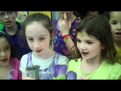Agnon School - Second Grade Kabbalat Shabbat 2011