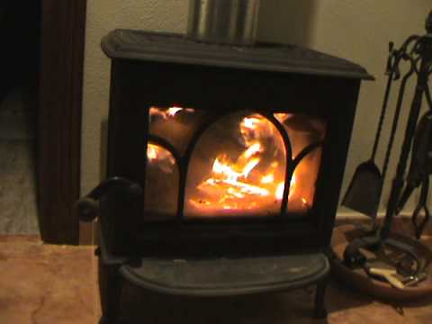how to load your jotul wood stove funnycat tv. Black Bedroom Furniture Sets. Home Design Ideas