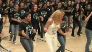 Beyonce Surprises Students Lets Move