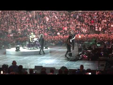 James' voice problems  - Metallica live in Copenhagen 2017 - World Wired Tour 2017 - Copenhagen