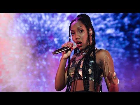 Jemima Hicintuka sjunger Is this love i Idol 2017 - Idol Sverige (TV4)