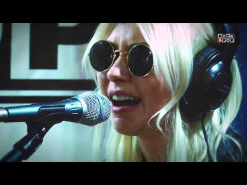 The Pretty Reckless -- Zombie (live at Rock&Pop Chile)