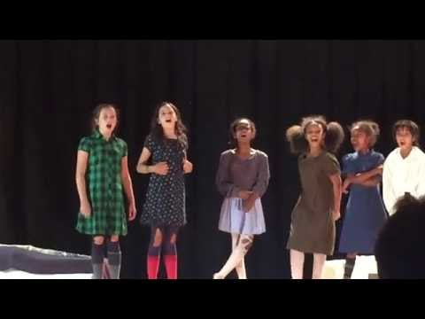 abby-in-annie,-jr.---orphans-intro-scene