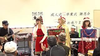 恒例のリョービプラッツ藤田店での演奏 今回は店内のフードコートでの演...
