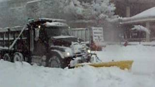 Popular Snow emergency videos