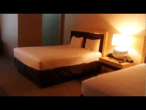 Cheap Good Vegas hotels:  Plaza Downtown