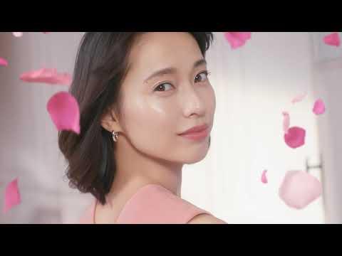戸田恵梨香 ランコム CM スチル画像。CM動画を再生できます。